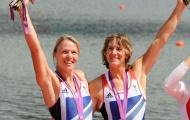 Anna Watkins (left) and Katherine Grainger on the podium at London 2012