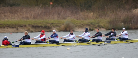The men's eight train in bumpy conditions at Caversham